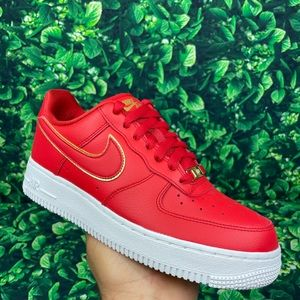 Nike Women's Air Force 1 '07 Essential Red Size 8